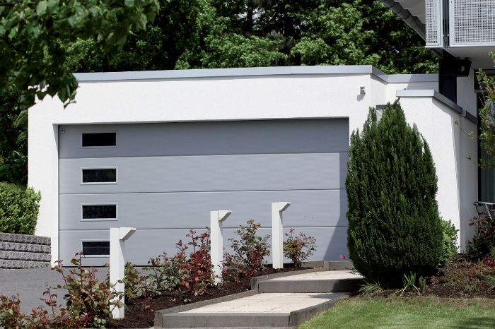 Automatic Roll up garage with Windows Cardigan